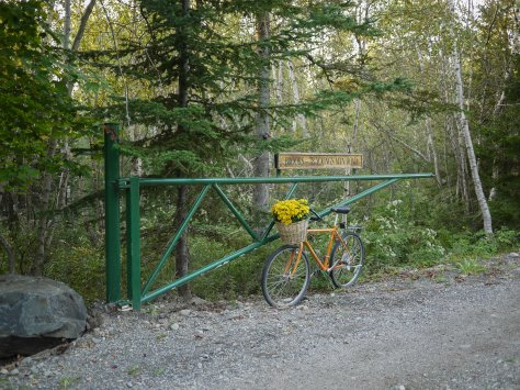 cottage entrance road